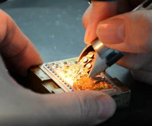 варка золотых проводников термокарандашом